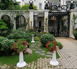Thiết kế, thi công sân vườn trước cổng nhà biệt thự của chú Trần Tuấn